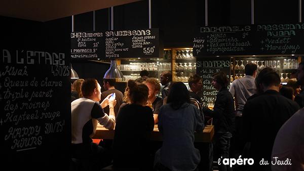Au Fut et à Mesure, le bar aux tireuses à bière en libre service