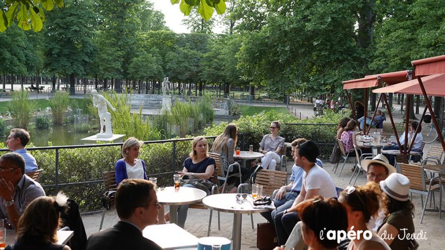 Ap ro en terrasse sur le jardin des tuileries au caf for Resto paris terrasse jardin