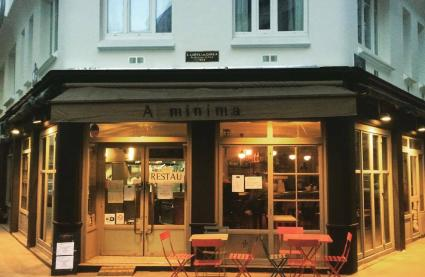 A minima Café