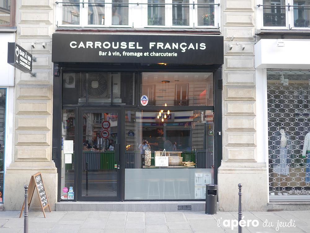 Le Carrousel français : le bar à vin à tapas roulant !