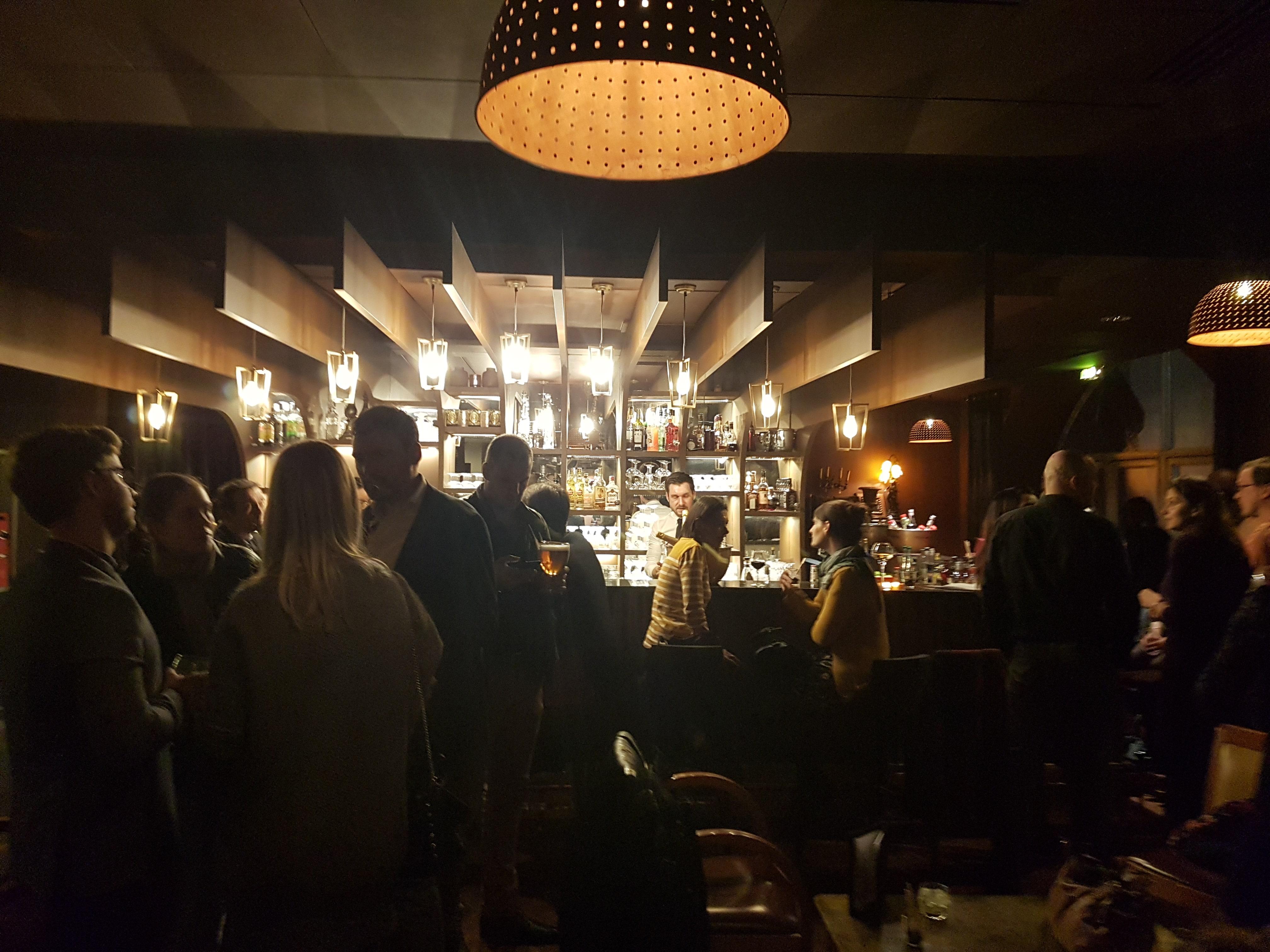 Le Gustave, le bar à cocktails Champagne du 15ème