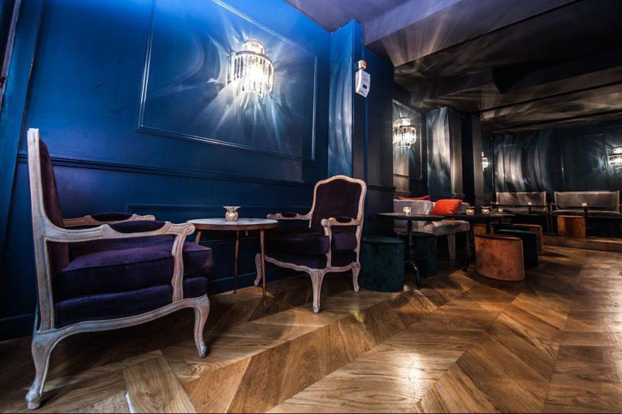 bar pompadour