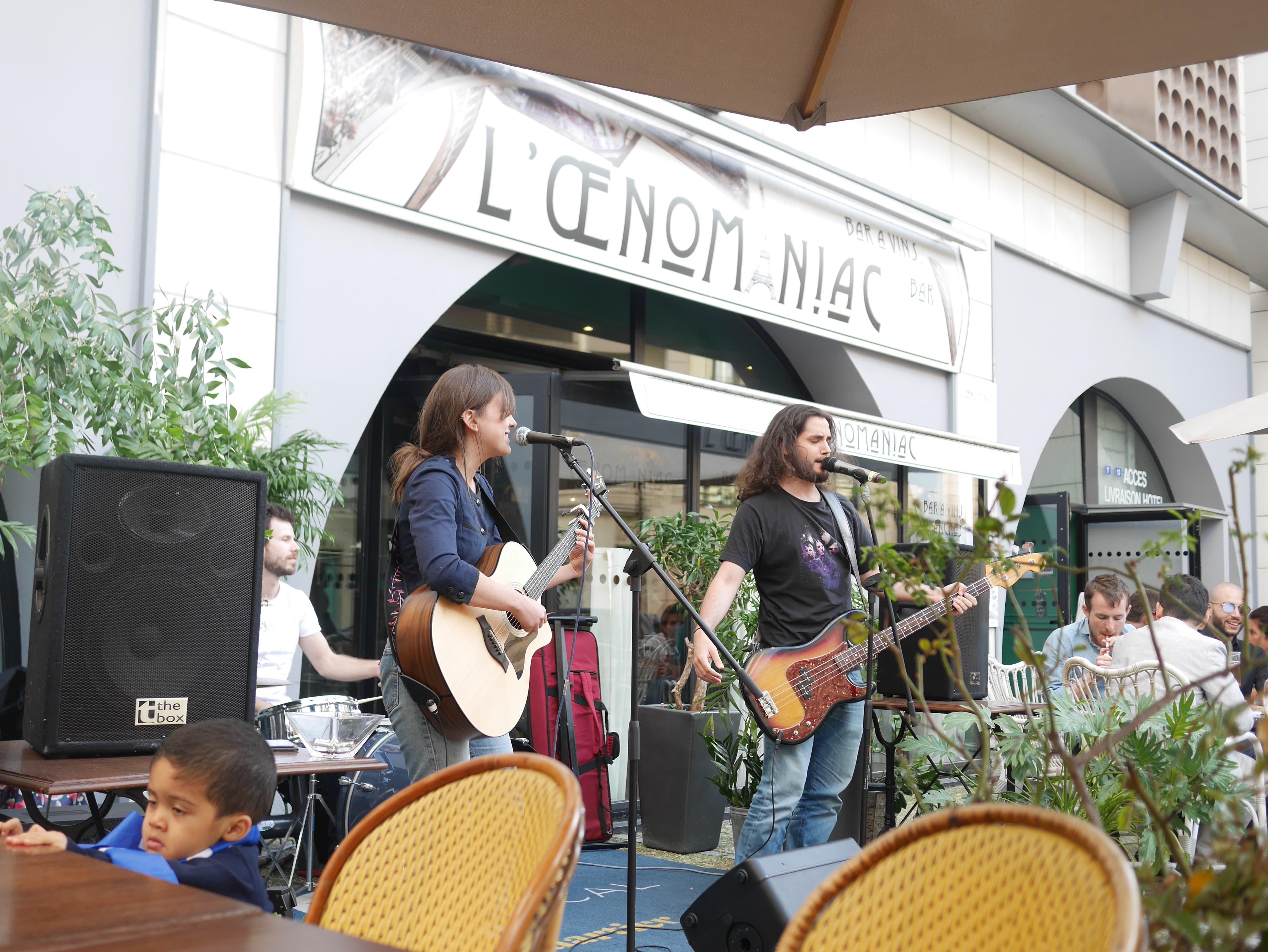 Musiciens et groupe de musique cherche bar à Lyon pour jouer !