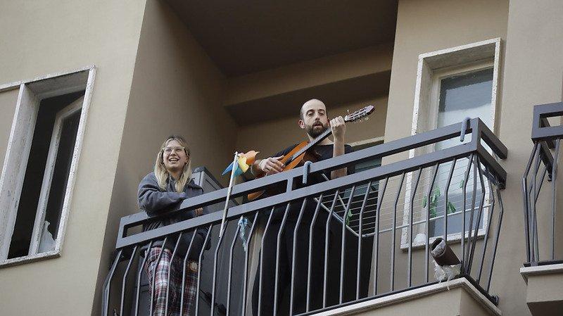 musique italie balcon coronavirus