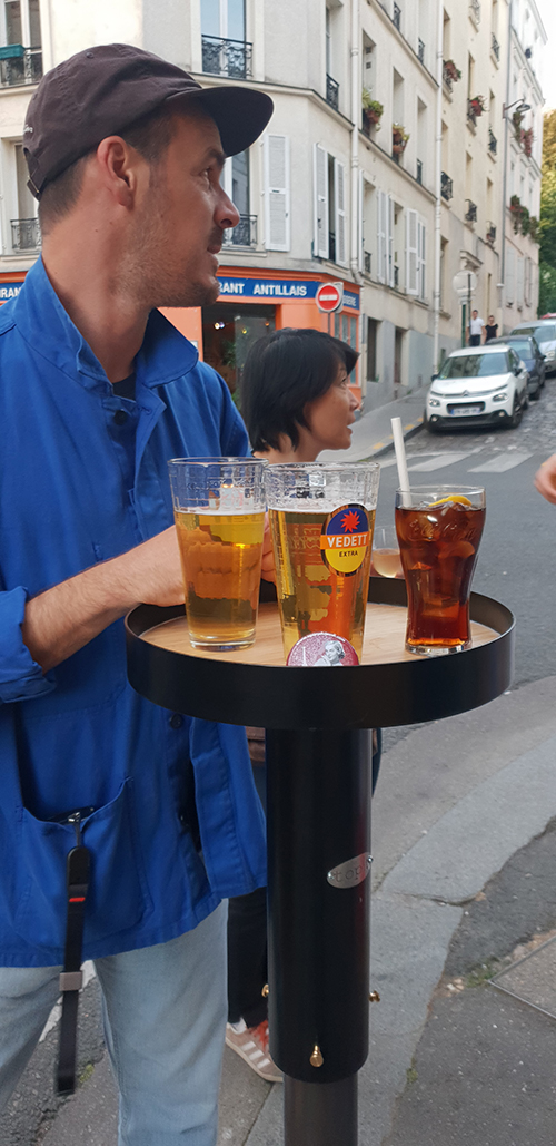 table apéro poteau de rue